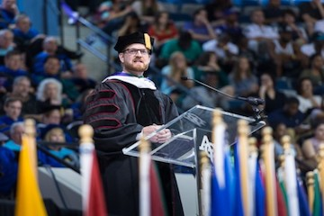 Brantly urges students to pursue discipleship